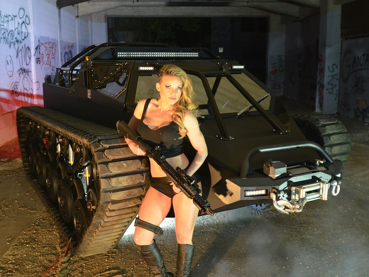 Video: Luxury Super Tank, Ripsaw EV2 In Production